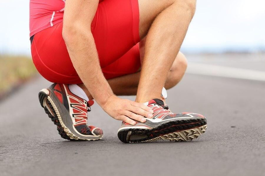 Sprains and strains: is it wise to treat them alone?
